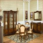 Элитная мебель.Киев выбирает дорогие столы и стулья из натурального дерева .